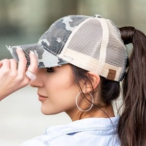 NWT C.C Top Knot Trucker Hats Gray Camo Camouflage